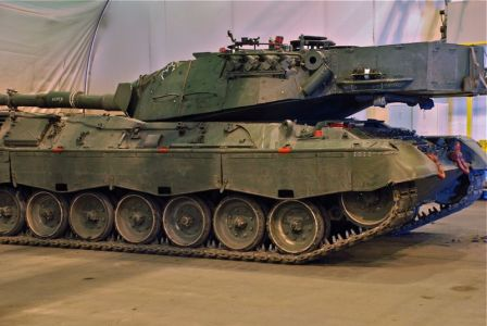 Canadian Leopard C2 Walk Around